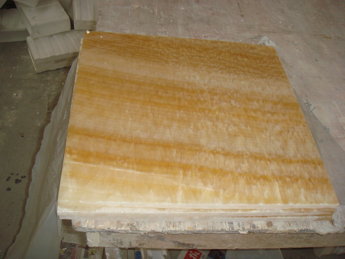 Honey onyx tile for worktop/background